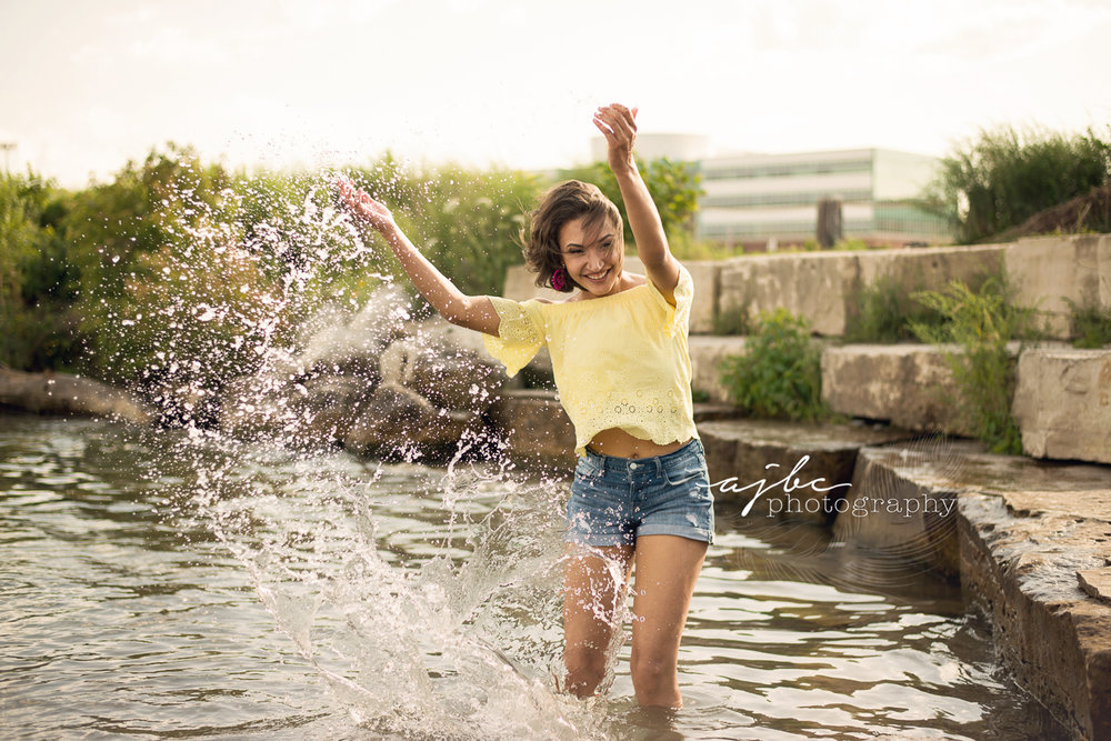 fun summer senior photoshoots.jpg