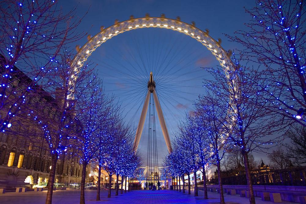 1280px-London_Eye_Twilight_April_2006.jpg