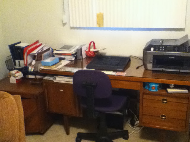 desk+before.JPG