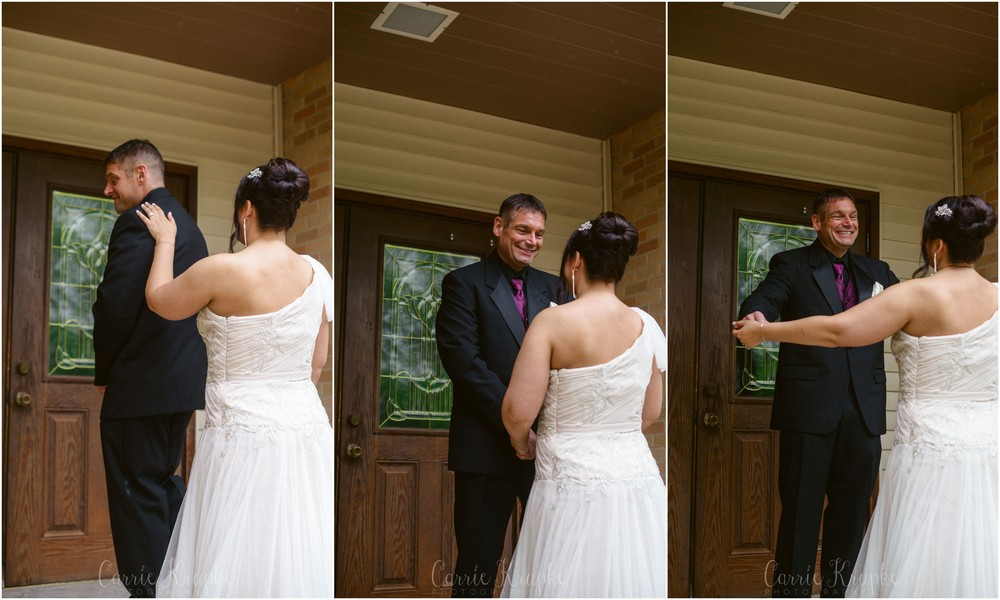 Des Moines Wedding First Look.jpg