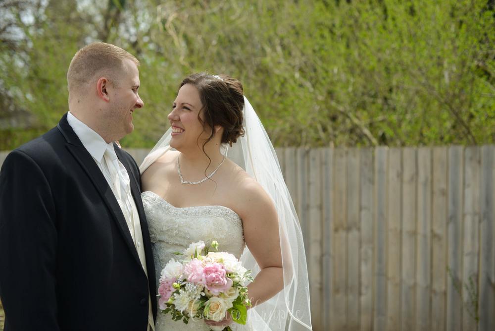 Des Moines spring wedding