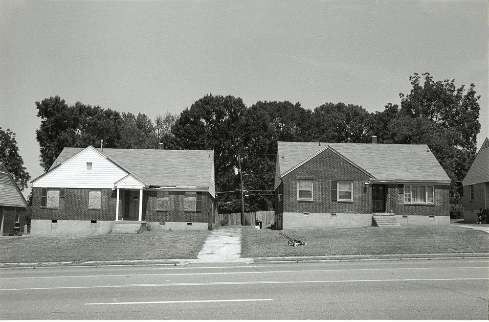 2houses_1920.jpg