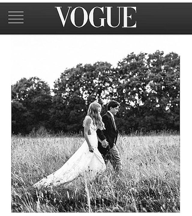 Well that's exciting!  Featured in Vogue Spain online @voguespain with the wedding of Olly and @hattiewesttt - for the full wedding blog see the link in my bio ❤️