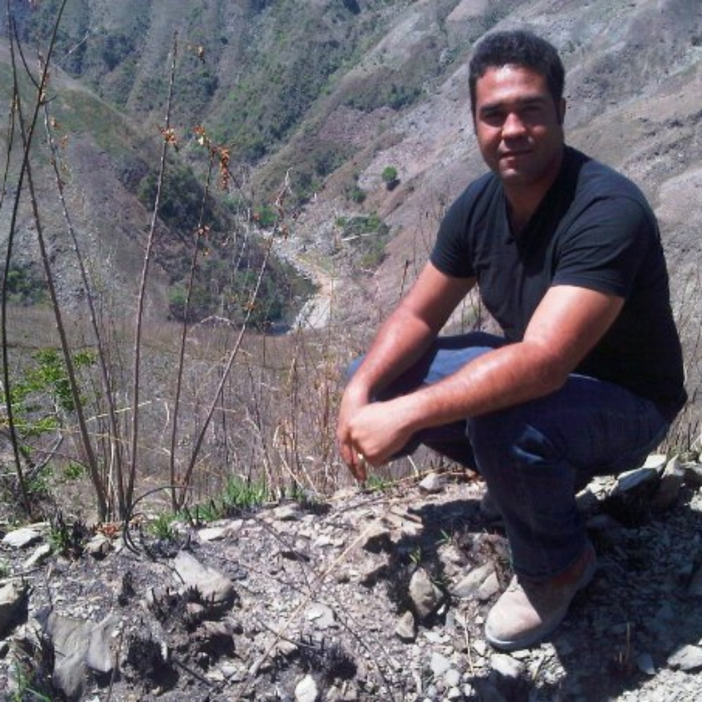 Omar Hernandez, Director of Estimating & Construction Manager