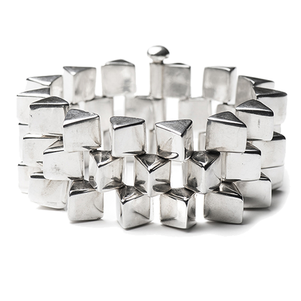 TC036   TRIANGLES BRACELET      High Polish Finish