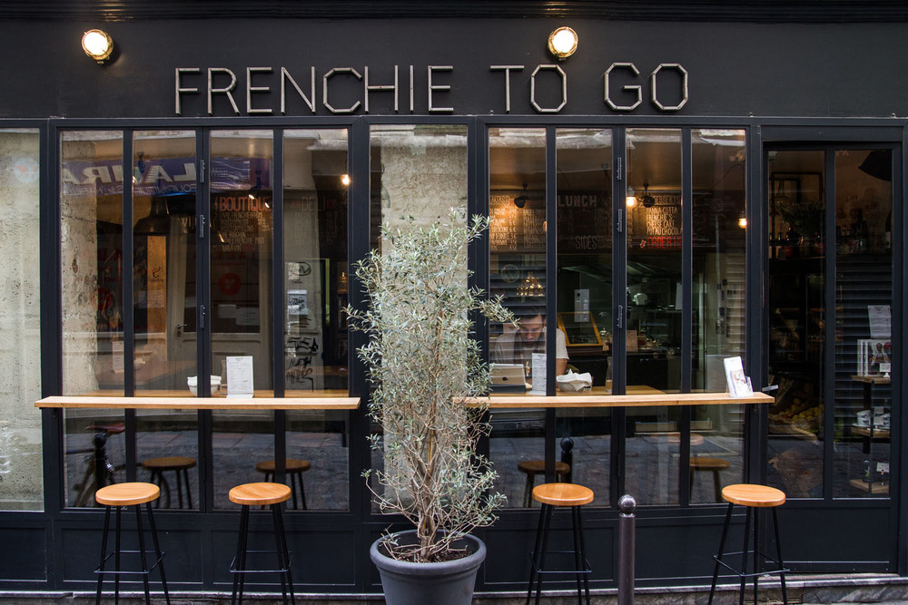 frenchie-to-go-paris.jpg