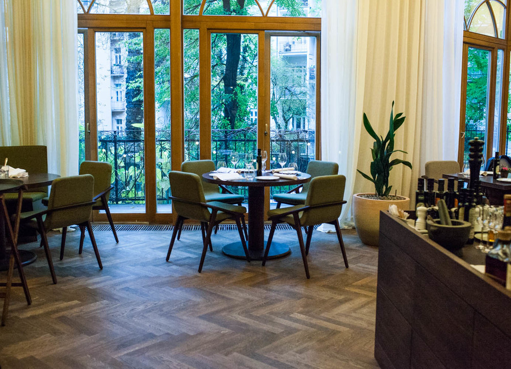 aromi-fine-dinning-in-prague