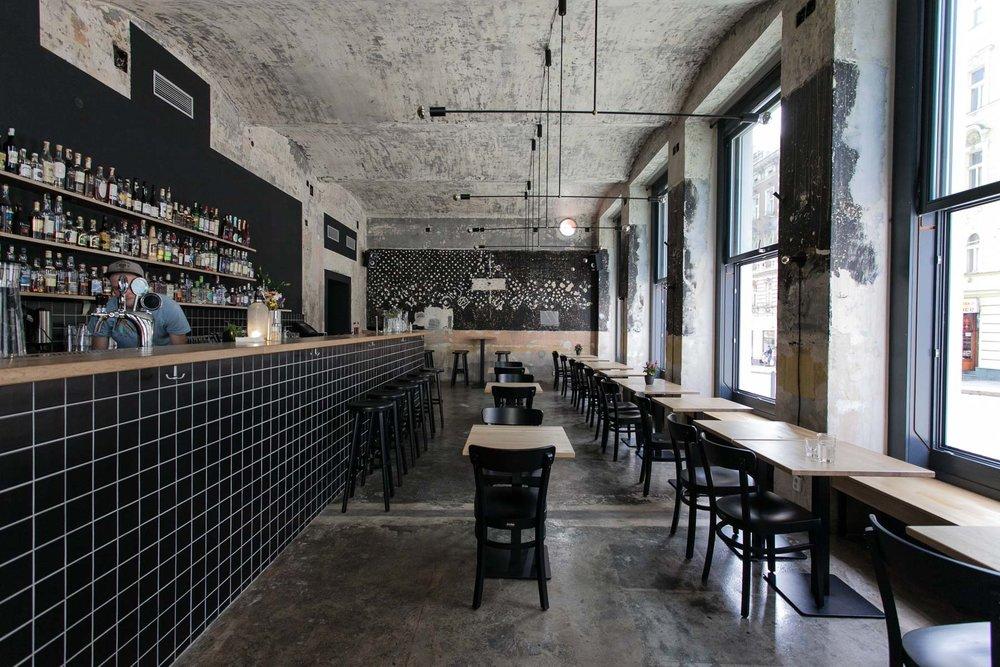 Cobra bar, Prague