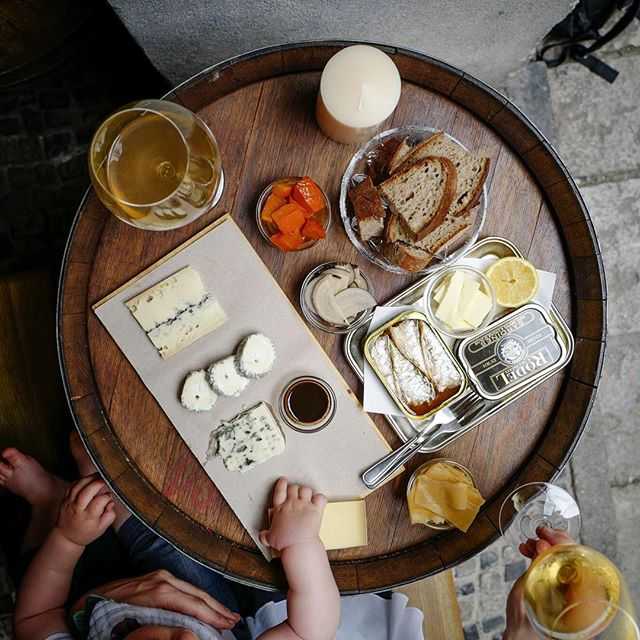 It's been quite hot recently. We have only one answer: slowly boozing up in wine bars with outdoor seating while @jjeatsaround touches all of our cheeses. #tasteofprague #moravianwine