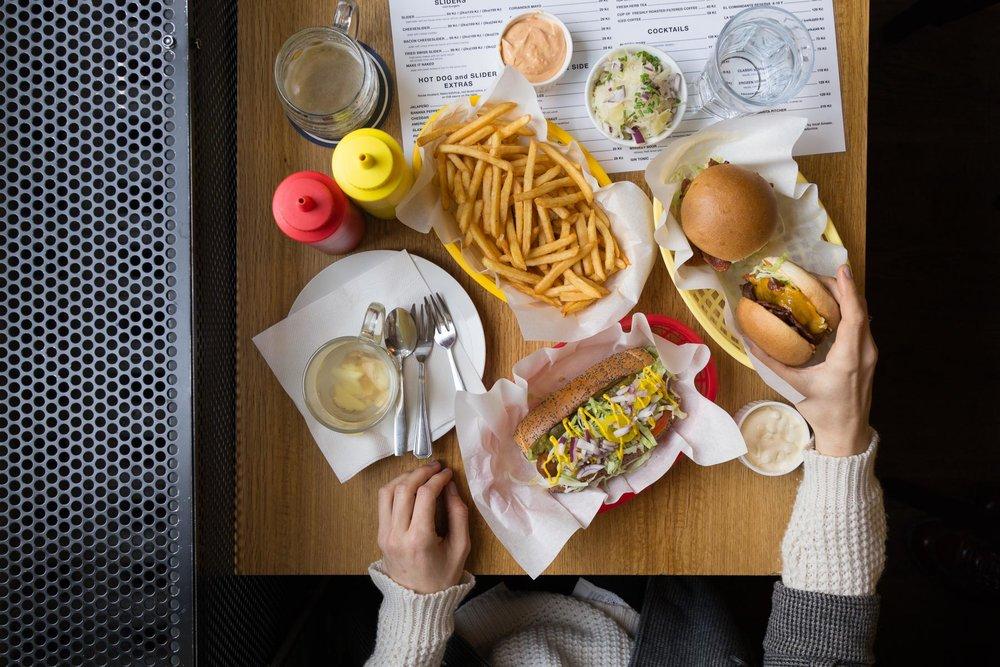 Mr Hot Dog, Prague