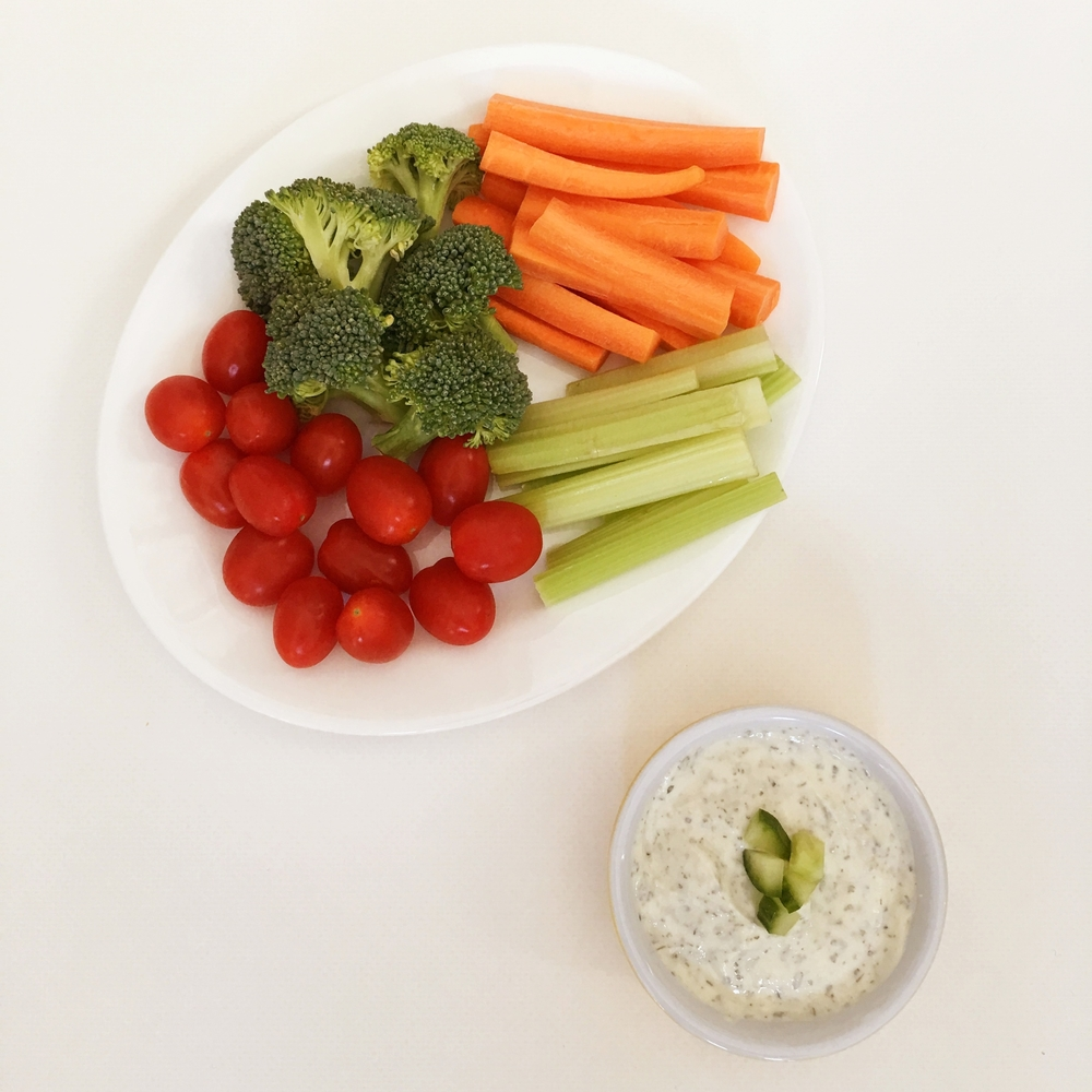 Organic raw veggies + greek yogurt ranch dip = YUMMMM!