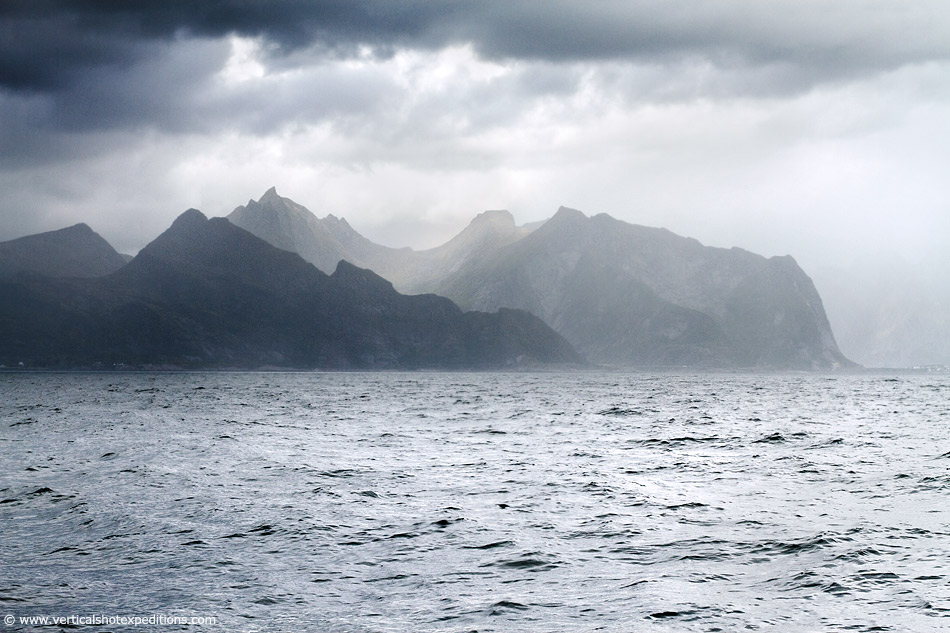 2014-Norway-Sailing-Mountains-950px.jpg