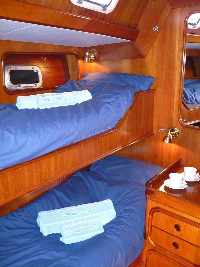 01Guest-cabin.jpg
