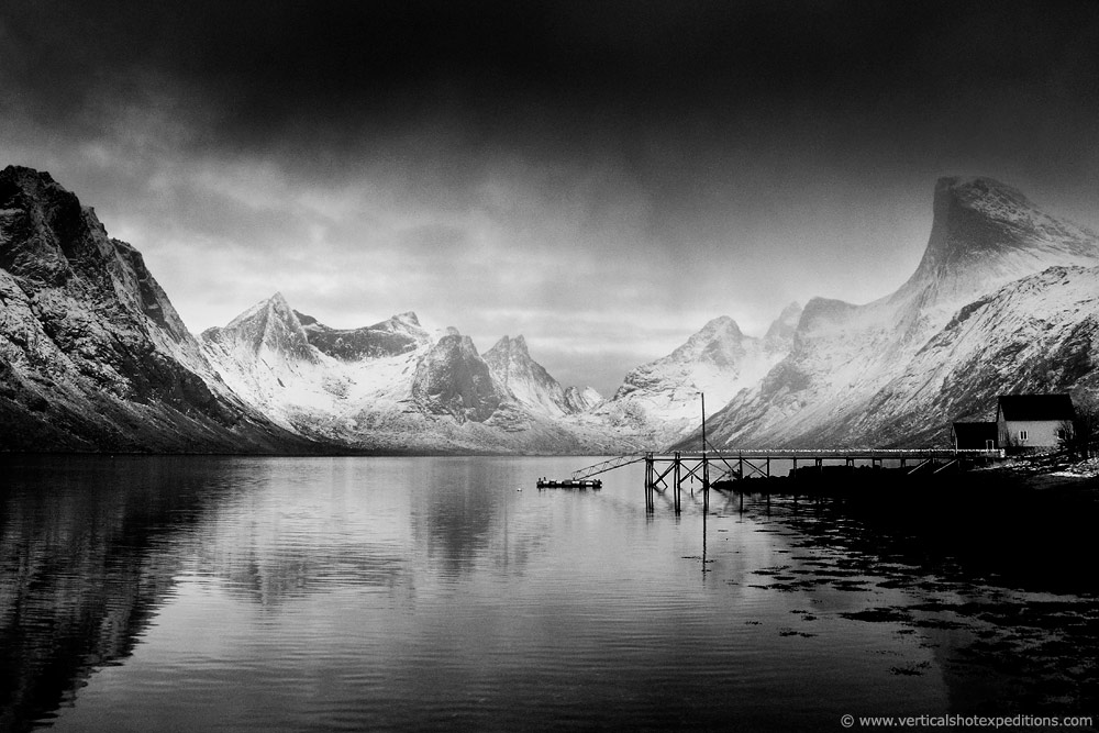 Lofoten-Islands-Photopgraphy-workshop-tour-expedition-RIB-boat-adventure-aurora-borealis-norhtern-lights