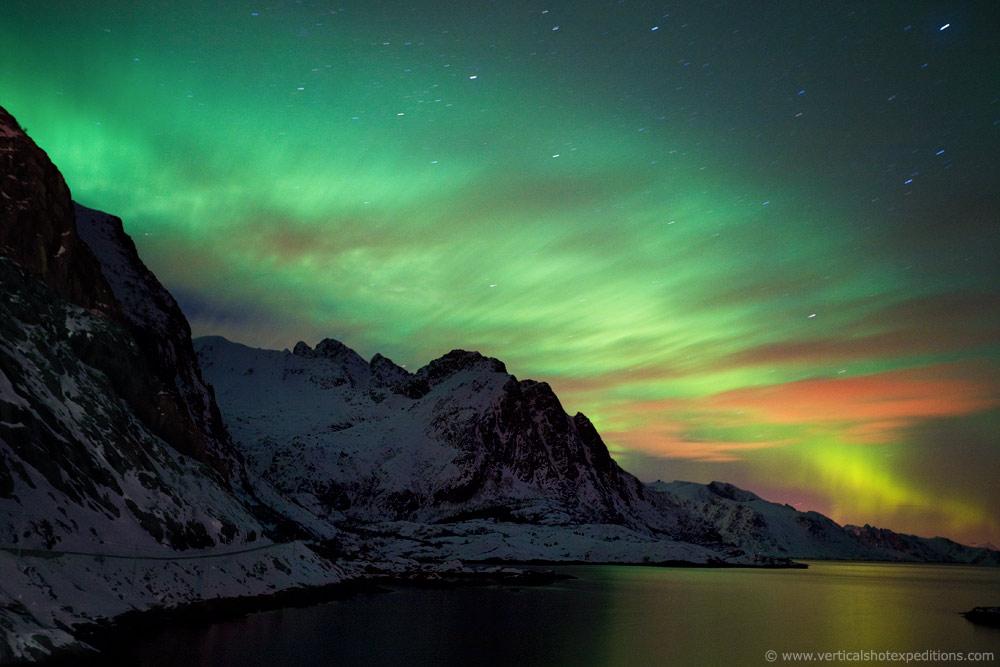 2010-Norway-Hamnoya-Aurora-Borealis-02.jpg