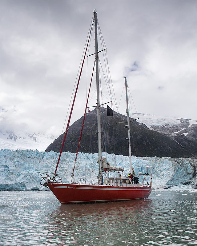 Antarctica sailing expedition workshop photography