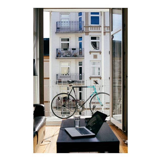 Just a random bike picture on a Wednesday afternoon... . . . #cycling #bikeporn #cyclist #hamburg #latergram #interior #ciclismo #roadbike #balcony #design #view #urban #koga #instacycling #2013