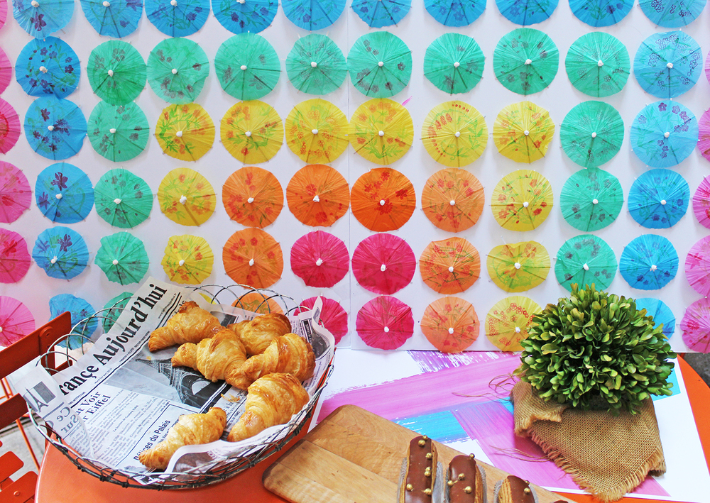 A full DIY tutorial for this backdrop can be found HERE