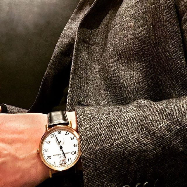 Raining in Vegas ... Raining in Los Angeles ... must be time for a 🥃 #cclifestyles #lifestylesbydesign #weekend #cocktails #fashion #watch #wotd #instawatch #menswear #mensfashion #style #dapper #gentlemen #lasvegas #travel