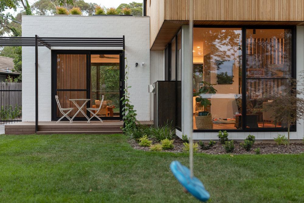 2917-resnew_Ribbon House_Rob Henry Architects_Light Studies_01.jpg