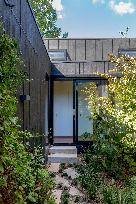 2915-resnew_Courtyard House_Rob Henry Architects_Light Studies_00.jpg