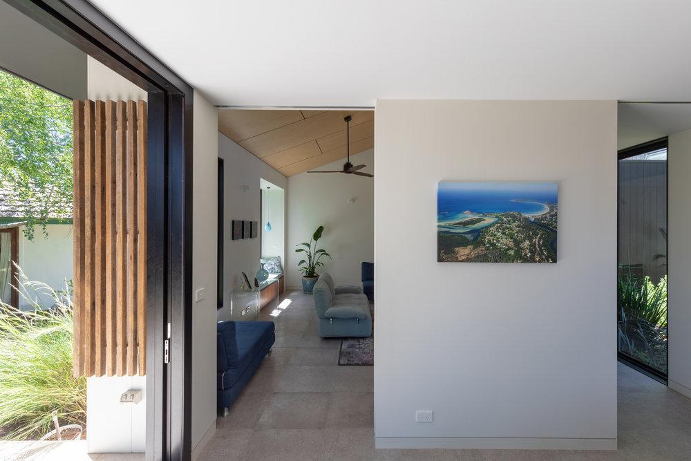 2915-resnew_Courtyard House_Rob Henry Architects_Light Studies_06.jpg