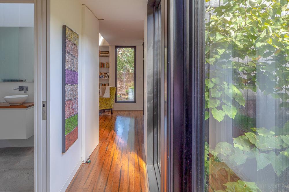 2915-resnew_Courtyard House_Rob Henry Architects_Light Studies_09.jpg