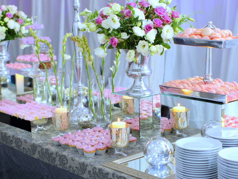 house-ideas-furniture-delectable-wedding-buffet-table-flower-decorations-with-alluring-table-decorating-themes-for-inspiration-picture-modern-and-elegant-table-decorating-themes.jpg