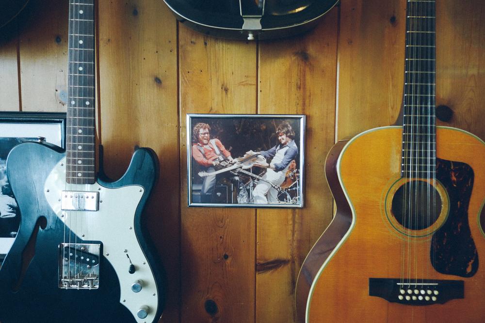 5 questions reuben cox owner of la s best guitar shop old style hit city u s a. Black Bedroom Furniture Sets. Home Design Ideas