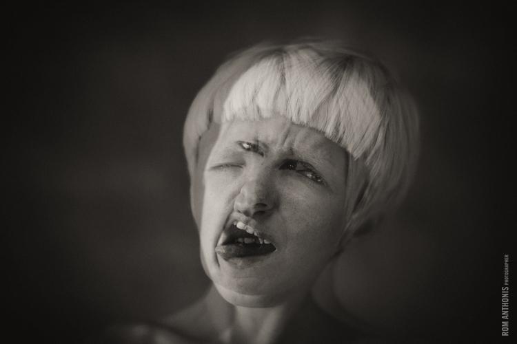 RA_natalia+faces-1.jpg