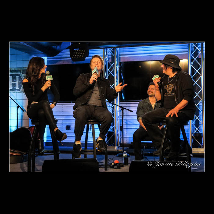 005 05-04-16 Goo Goo Dolls Fresh 102.7 027 blog sq.jpg