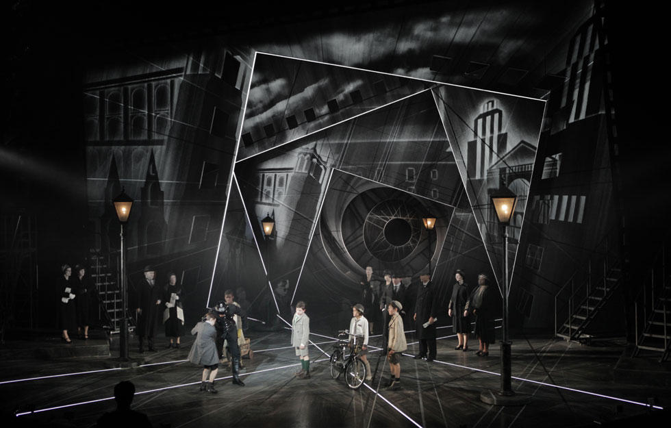 expressionist theatre explanation and history essay A great overview of theatre styles citing origins, pictures, key characteristics and aims of style lot of work but worth it don't claim it as your own or you.