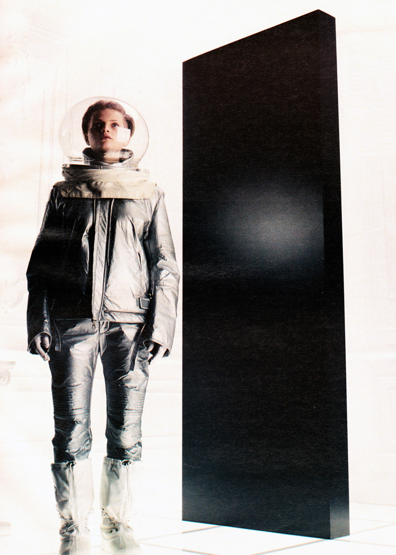 deusch :     Guinevere van Seenus for Helmut Lang, circa 2001