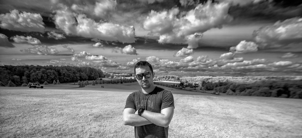 What helps make a badass picture? Well, a couple of things; a great location (Bethel Woods/ Woodstock), a badass subject (Chef Josh Butler), center-point perspective, and SUNGLASSES.