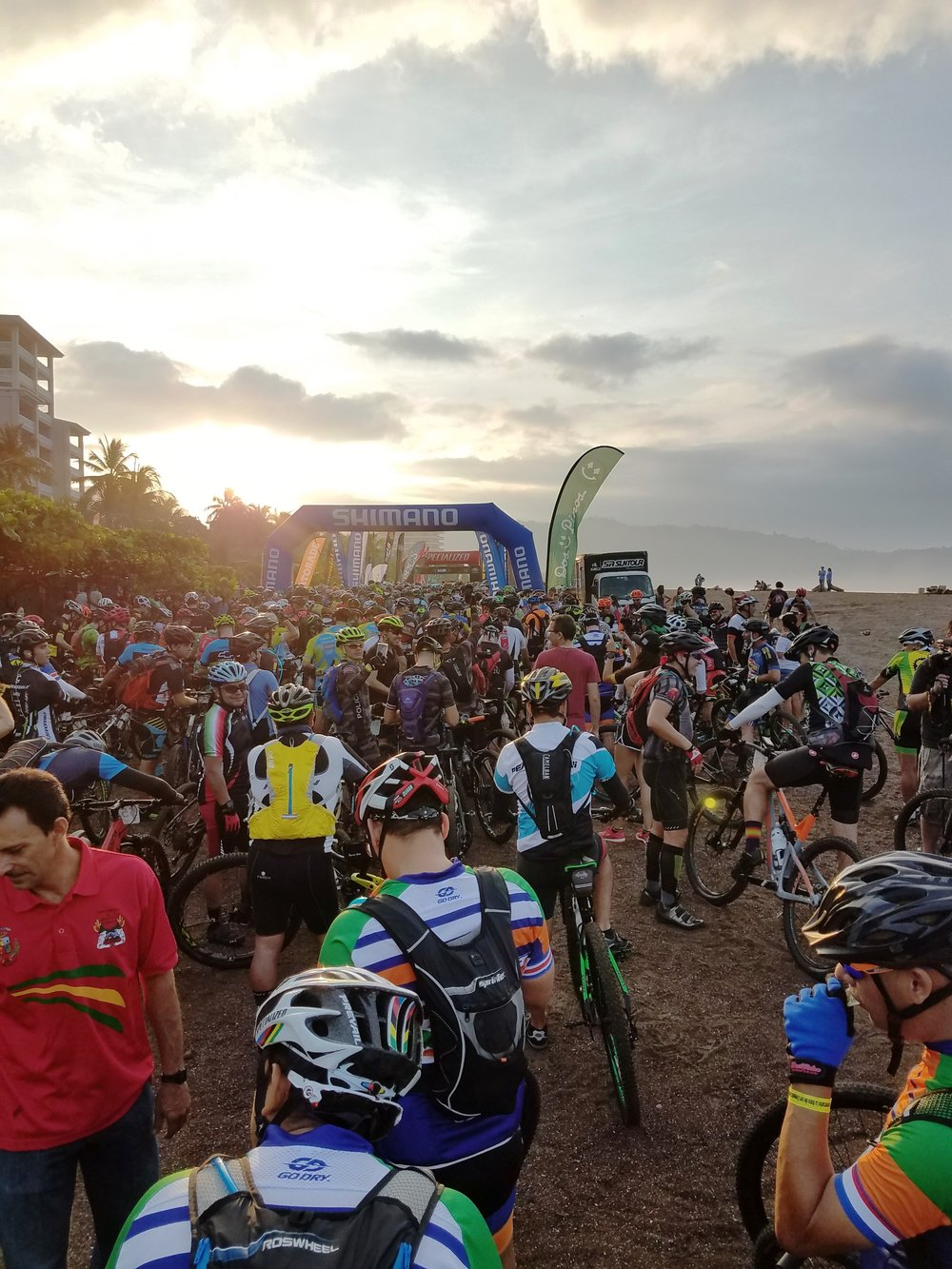 La Ruta start line.jpg