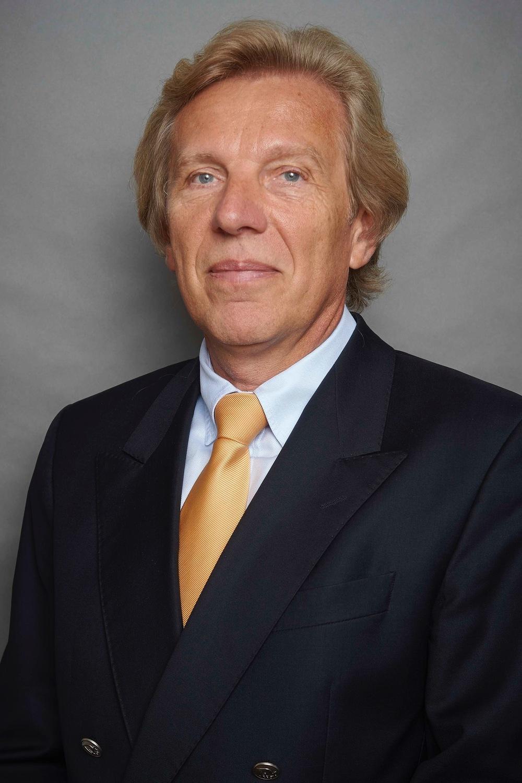 Dr. Joachim Fluhrer, Australia