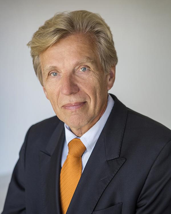 Dr. Joachim Fluhrer Medical Director, Genostics