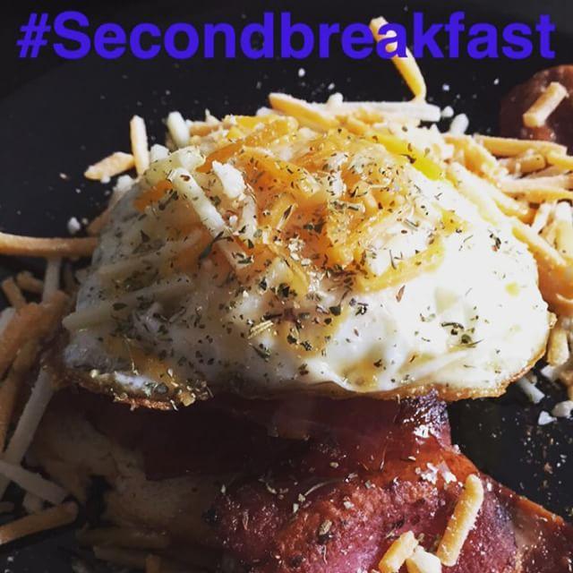 Most of the time I can't sleep anyway, so why not be eating.. #secondbreakfast #nomnom #breakfastlife #bacon #morebacon #thentherestofthebacon  #gnoname #houston #houstonlove #gnewmusic #lovemusic #peace #gnewmusiccomingsoon #kemah #hiphop #houston #houstonlove #underground #gnonameproduction #gnoname #austin #la #chicago #newyork #amsterdam #newmusic #mindyouractions  #nextinline #fuckyoline #gnonamemedia #mr #5