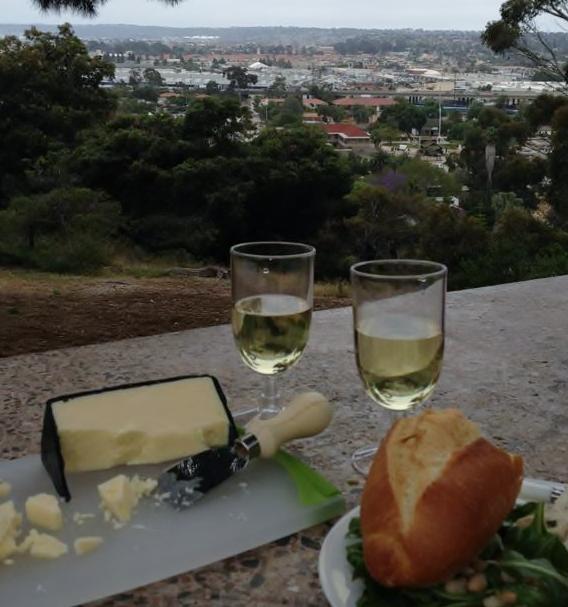 white wine (568x607).jpg