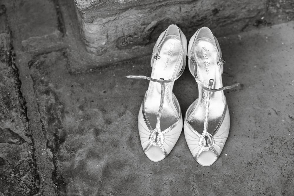 somerset_barn_wedding_Photography_london_summer-1002.jpg