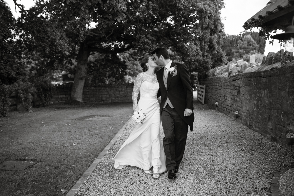 somerset_barn_wedding_Photography_london_summer-1077.jpg