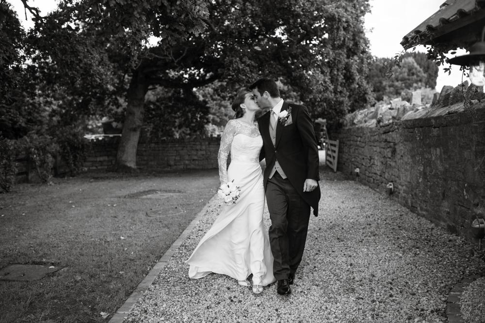 somerset_barn_wedding_Photography_london_summer-1077.jpg