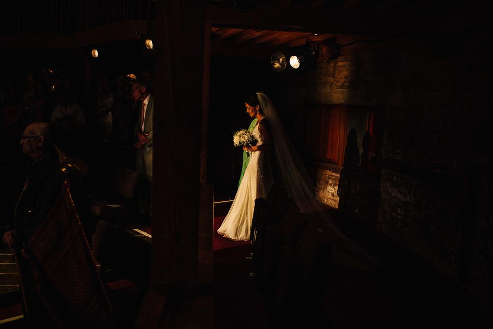 stratford_upon_avon_warwickshire_wedding_photography_theatre-20.jpg