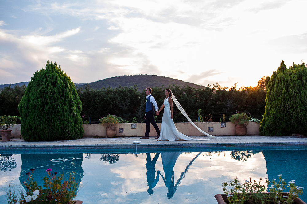 st tropez wedding photographer couple portrait sunset swimming pool