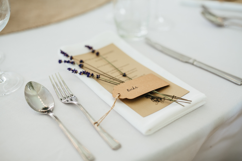 lavender place setting wedding
