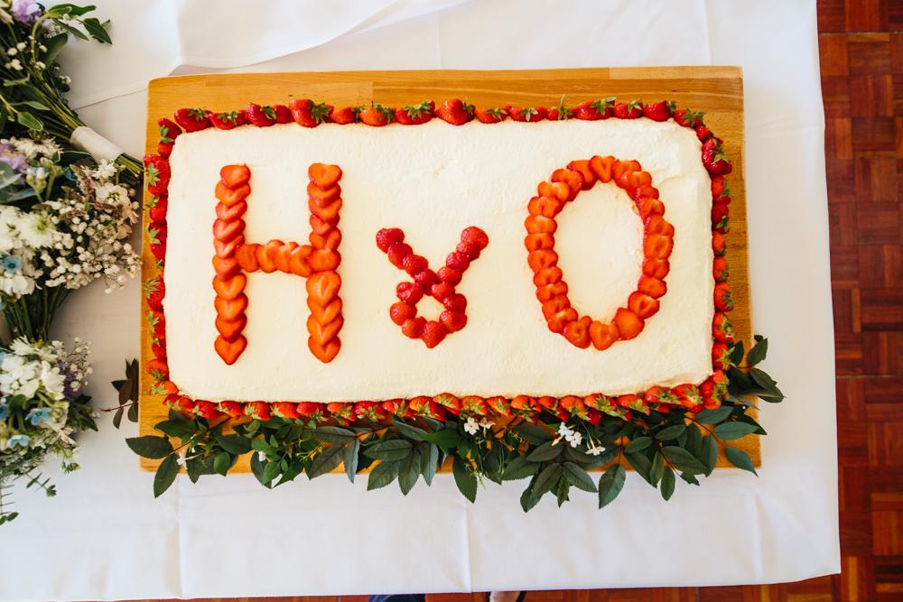 strawberry and cream wedding cake
