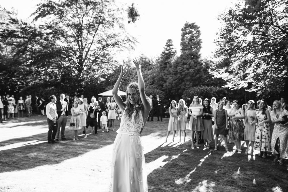 english_country_garden_wedding-118.jpg