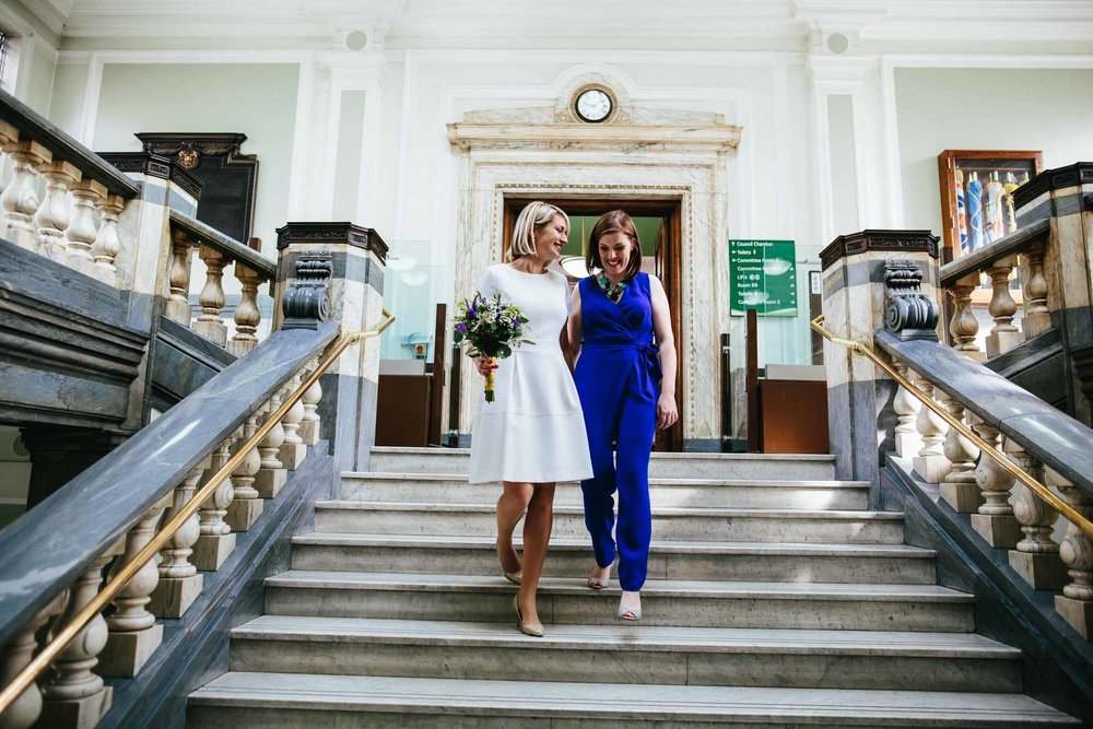 Alice & Sinead // Islington Town hall & The Londesborough pub -