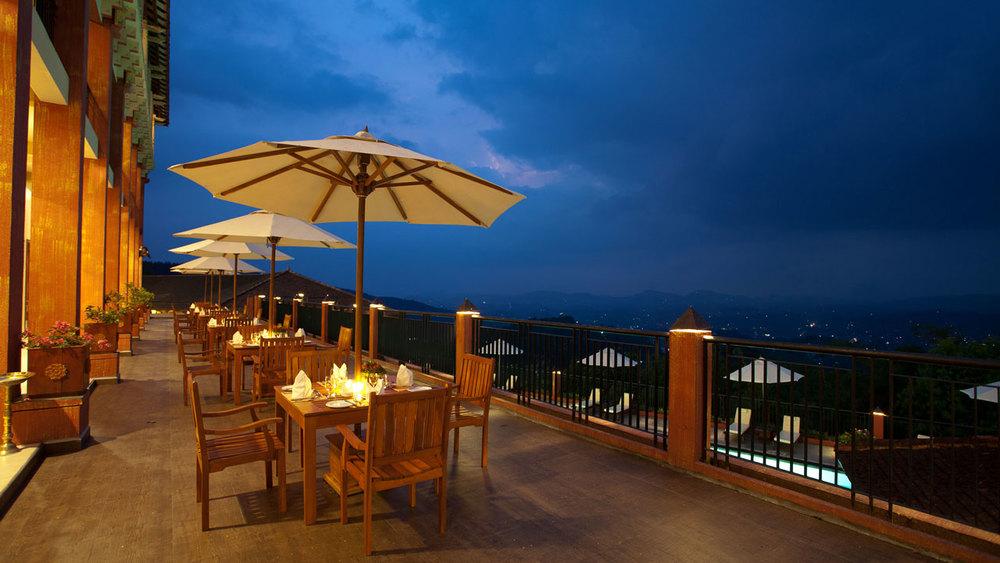 Amaya-Hills-dining-2.jpg