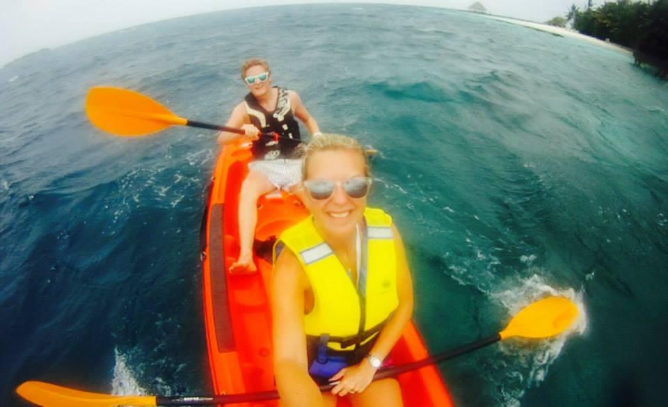 invite-to-paradise-customer-honeymoon-maldives-selfie.jpg
